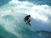 Surfer in Sardiniens Wellen