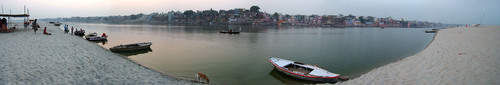 Varanasi_Ganges_River_panorama